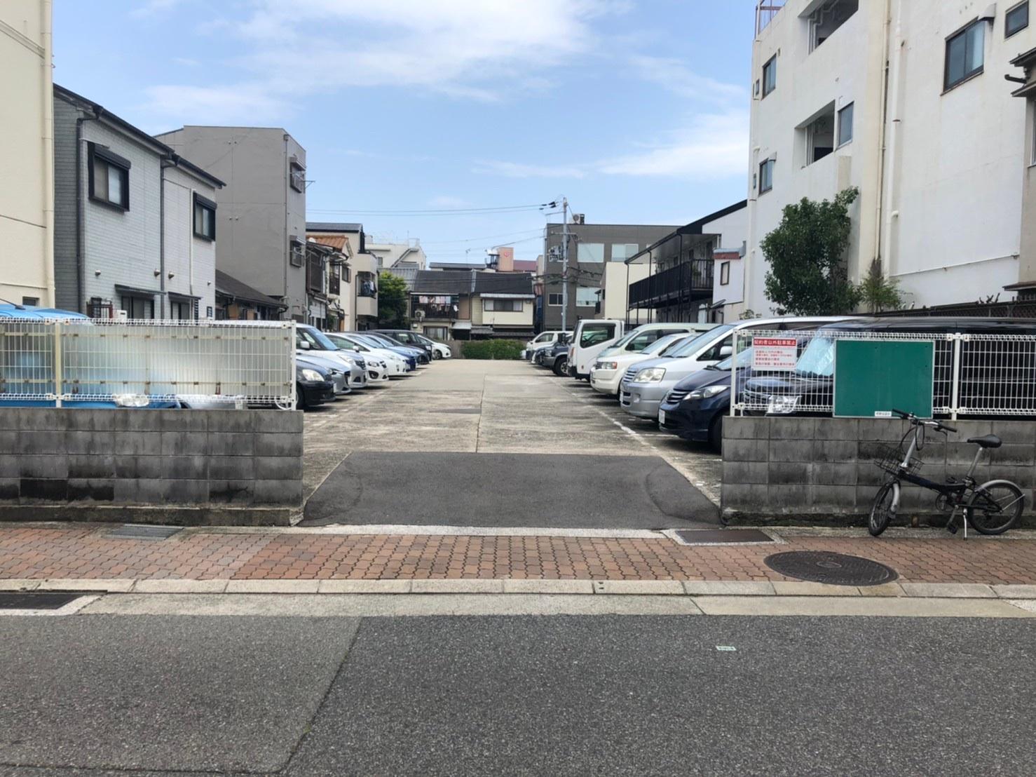 【月極駐車場 神戸市兵庫区松原通】新興カーポート